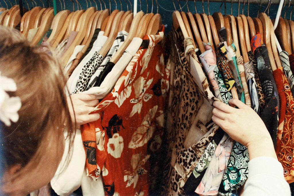 RETRO STYLE: BEST CHOICE/TRENDS FOR YOUTH CULTURE