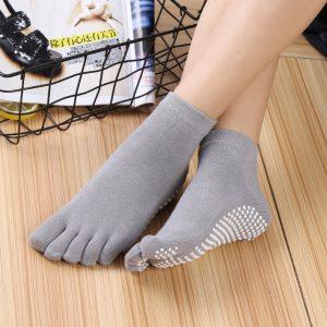 """""""non-slip yoga grip socks"""""""